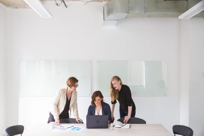 women-around-laptop_real-estate-agent-bios.jpg